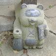 可愛い狸の石像